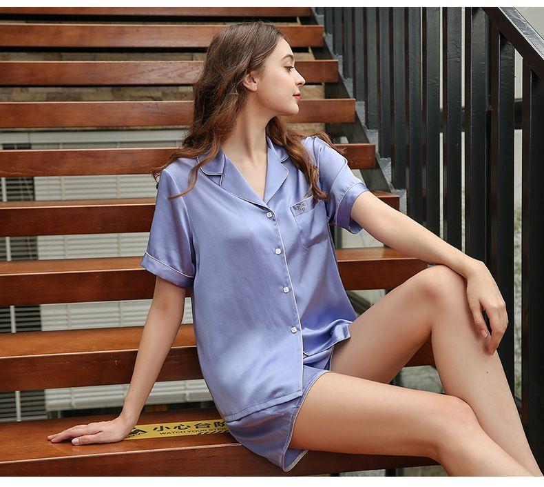 Natural Silk Women Pajamas Short Top & Bottom Two-piece Suit Short Sleeve Solid Pyjamas Set